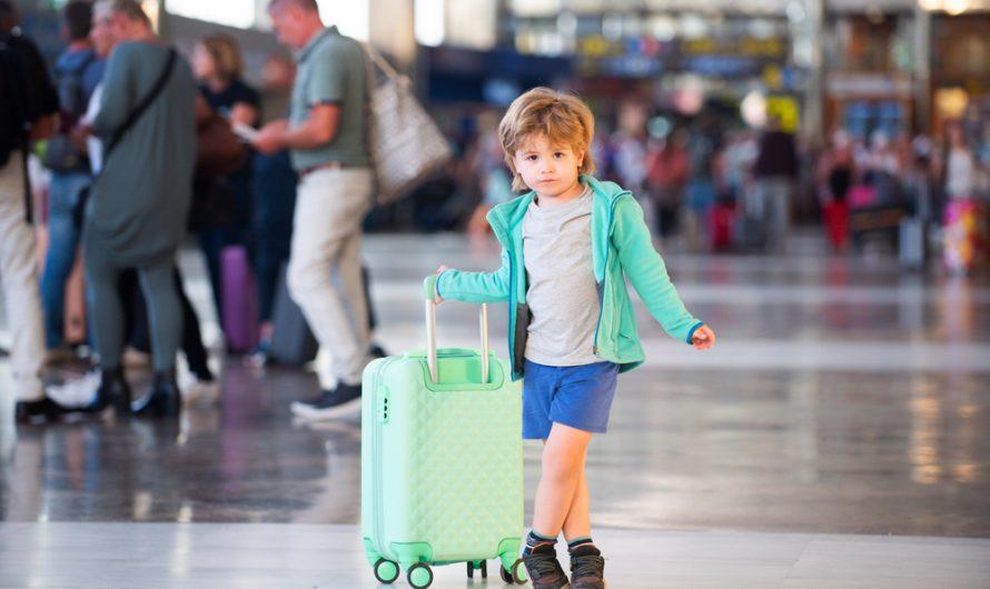 Les mesures de sécurité à prendre pour emmener des enfants en voyage