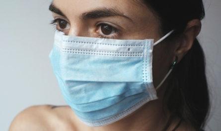 masque sur femme